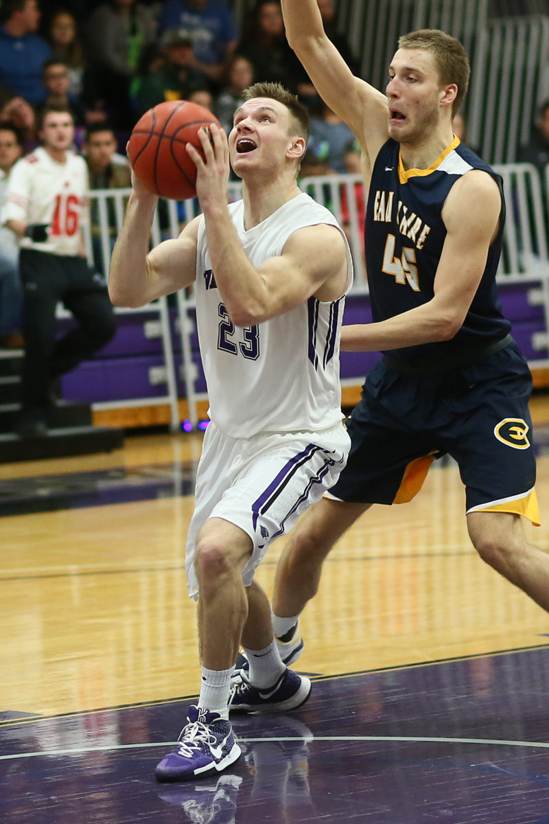 Derek Rongstad led the Warhawks with 16 points.