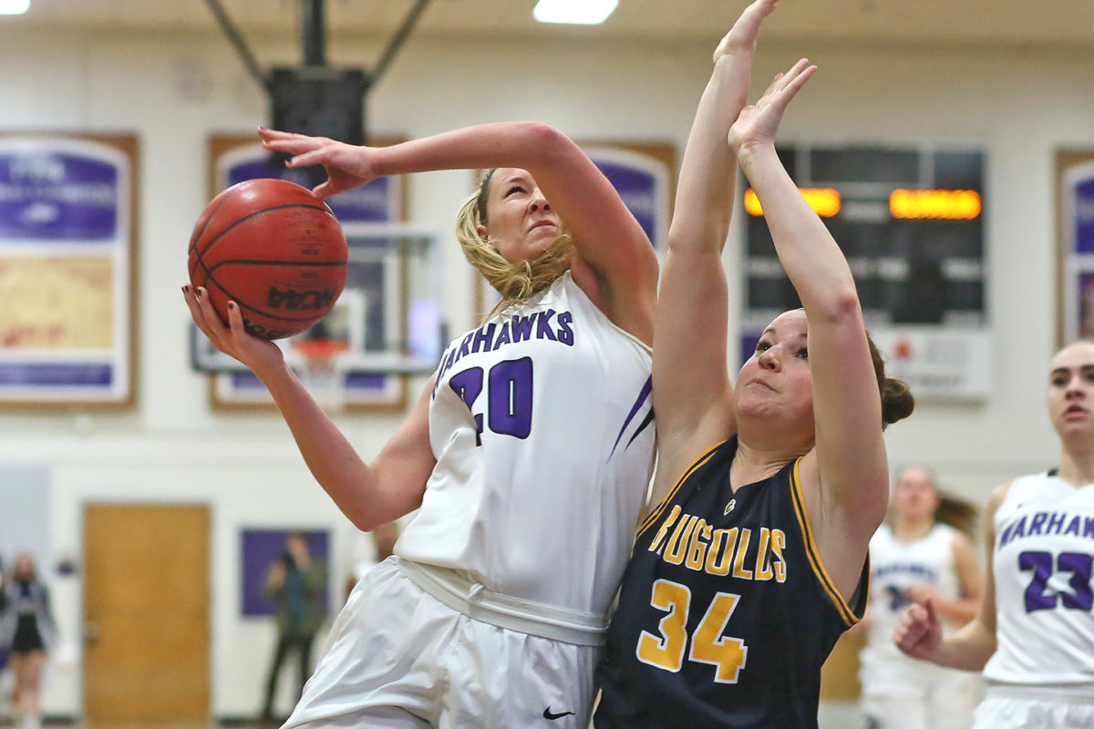 Brooke Trewyn with 16 points for the Warhawks.