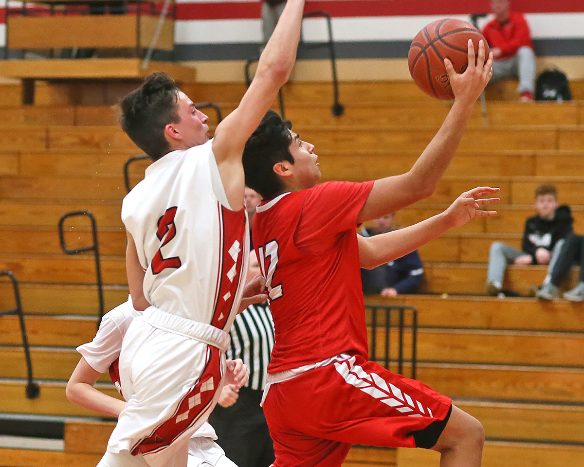 Roberto Navejas also added 13 points.