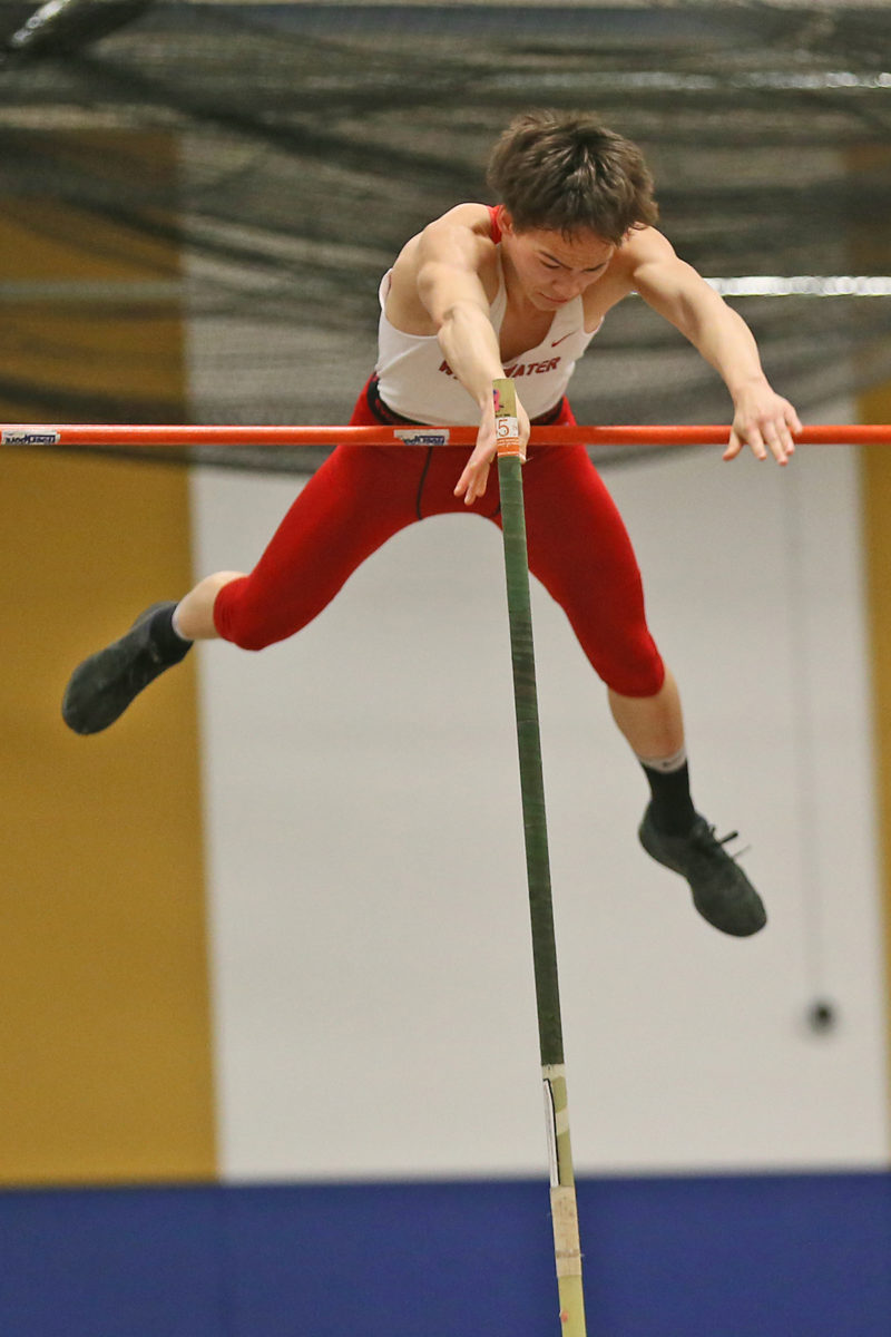 Sashi Popke wonthe pole vault with a new personal best of 13 feet.