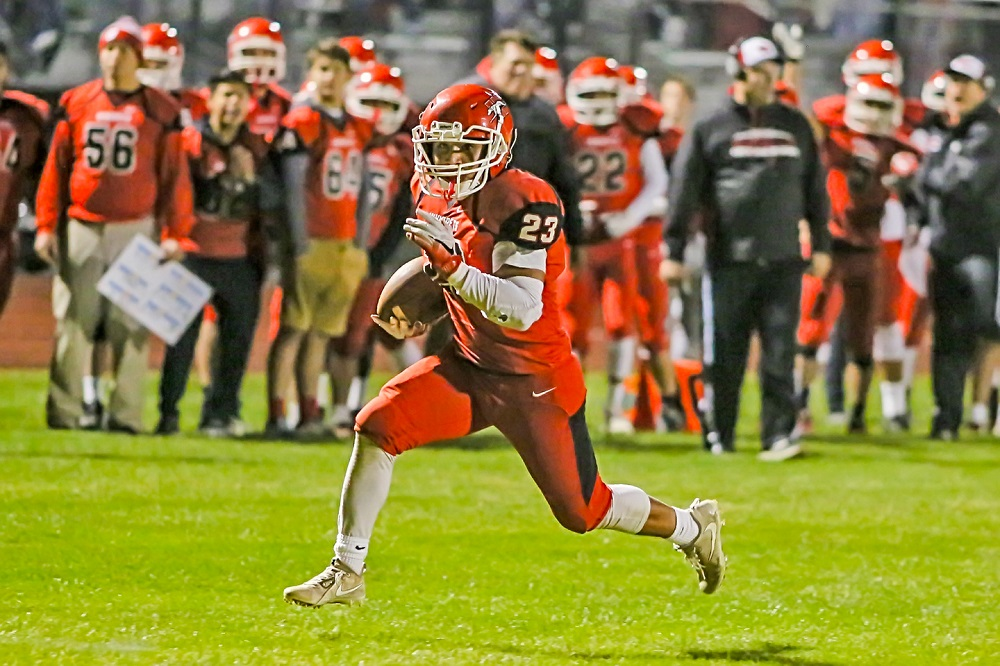 Aldo Soto romps for 17 yards and a TD in the second quarter. He finished the game with 219 yards and 2 TDs.
