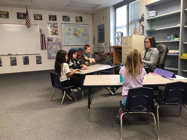 Students practice their American Sign Language skills