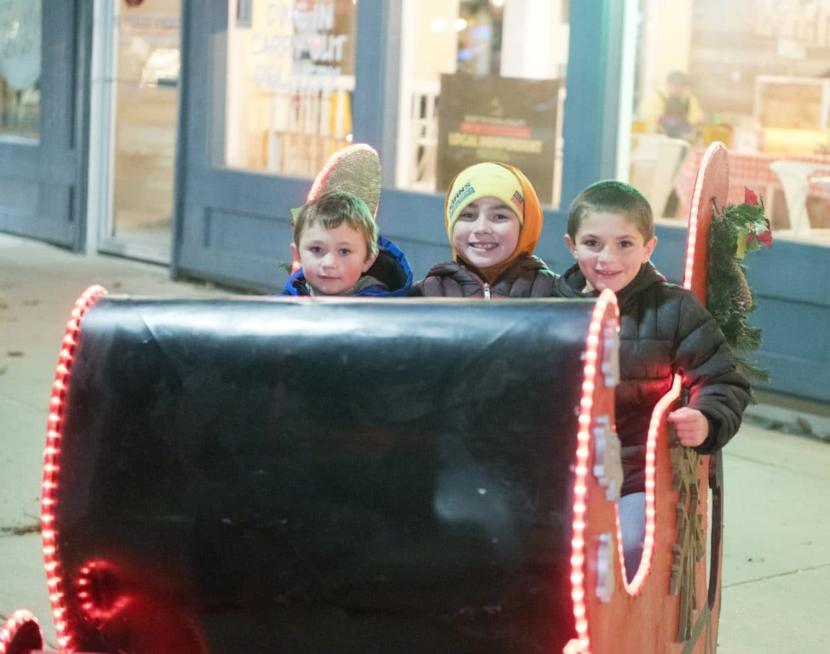 Parade of Lights 12-6-19 #255 - The Selfie Sleigh L=Ayden Pint-Anderson, Jaykob Sleman, Brady Stoker (R6)